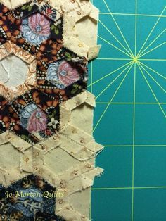 How to Finish Your Hexagon Quilts ~ Nice tutorial on how to finish ... : finishing a hexagon quilt - Adamdwight.com