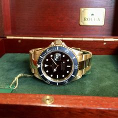 Rolex Submariner ref. 16618 (D+P - Spiegelgracht Juweliers Vintage Watches For Men, Vintage Rolex, Luxury Watches, Rolex Watches, Amsterdam Shopping, Rolex Submariner, Best Model, Bracelet Watch, Fancy Watches