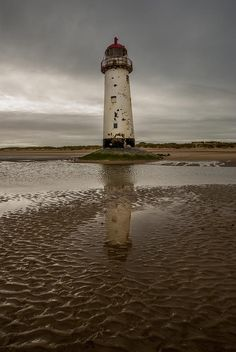 ✯ Point Of Ayr Lighthouse - Wales