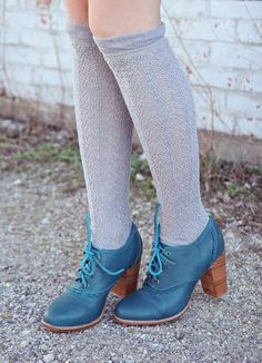 jolis souliers  http://www.etsy.com/listing/117178680/lace-leather-oxford-shoes-teal-leather
