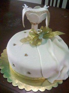 torta con caliz para primera comunion de niña