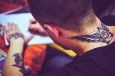 old school tattoo artist