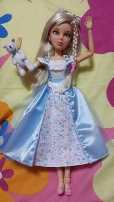 Sophie in Wonderland Liv Dolls, Harajuku, Wonderland, Aurora Sleeping Beauty, Disney Princess, Hair Styles, Character, Fashion, Hair Plait Styles