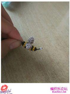 House of Macrame: cara membuat gantungan kunci macrame model lebah Macrame Bag, Macrame Tutorial, Macrame Patterns, How To Make, Blog, Creatures, House, Key Chains, Crafts