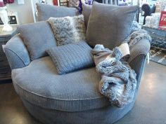 Comfy reading chair best ideas on oversized the perfect from urban small cozy . reading chair with ottoman comfortable Decor Room, Living Room Decor, Bedroom Decor, Home Decor, Reading Nook, Reading Chairs, Comfy Reading Chair, Bedroom Chair, My New Room