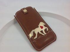 Handytasche nach Maß - Pferd in gold von Angie Holste -  Manufaktur ☆ Accessoires aus Leder auf DaWanda.com