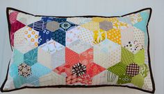 Hyacinth Quilt Designs: pillow love!