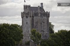 Prepare your best accent for your stay in this stately Irish castle ;)