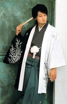 ☆Men's contemporary ceremonial dress, with kimono, haori and hakama. Japan