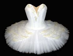 """""""Swan Lake""""(Odette) and """"Dying Swan""""."""
