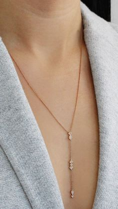 This delicately crafted lariat pairs perfectly with both plunging and high necklines. #diamonds #necklaces #danarebecca
