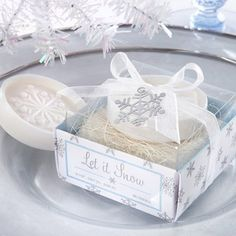Snowflake soap party favor - I like the packaging