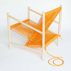 pynter: (vía http://mocoloco.com/upload/2013/02/loom_chair_by_l/loom_chair_laura_carwardine_2b.php)