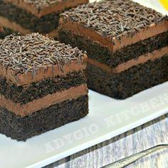 Prajitura Nero cu mousse de ciocolata si foi cu cacao - Adygio Kitchen Chocolate Pastry, Chocolate Recipes, Chocolate Cake, New Recipes, Cake Recipes, Dessert Recipes, Desserts, Pastry Cake, Food Cakes