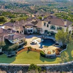 145 Estancia Lane   $3,600,000   Listed by @jblast71  This premier southern Hill Country estate offers incredible entertaining possibilities with the finest wet bar, wall of glass wine storage, media room with drop down screen, massive beach entry pool with multiple fountains, 360-degree views and more! . . . #luxury #luxurylife #milliondollarlisting #luxuryunlocked #homeoftheday #homes #alamoheights #thedominion #sanantonio #satx #luxuryhomes #luxurylistings #archidaily #archidigest #views…