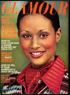Glamour October 1973. Beverly Johnson. Photo Mike Reinhardt. Big Fashion, Fashion Models, Fashion Beauty, Keisha Knight, Beverly Johnson, Glamour Magazine, Thing 1, Hair A, Red Shirt