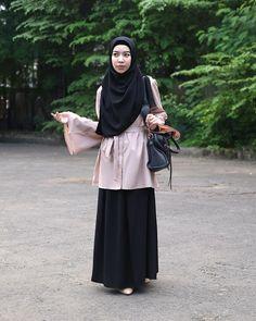Casual Hijab Outfit, Ootd Hijab, Hijab Chic, Hijab Dress, Ootd Fashion, Fashion Outfits, Womens Fashion, Fashion Trends, Simple Ootd