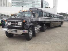 Old Pickup Trucks, Big Rig Trucks, Gm Trucks, Diesel Trucks, Cool Trucks, Chevy Trucks, Custom Big Rigs, Custom Trucks, Medium Duty Trucks