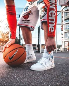 Womens Nike Off-White Blazer Mid / Off White shoes online Source by sneakersking white shoes Off White Blazer, Off White Shoes, Supreme Iphone Wallpaper, Hypebeast Outfit, Sneakers Wallpaper, Supreme Clothing, Moda Blog, Hypebeast Wallpaper, Hype Shoes