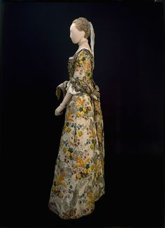 Gascoyne`s - Side view of the court dress traditionally thought to have been worn by Mrs. Ann Fanshawe when her father, Crisp Gascoyne, was Lord Mayor of London in 1752-53