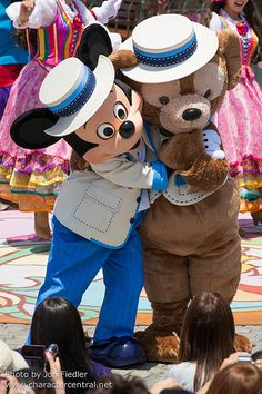 2014 - Lido Isle Welcome to Spring - Mickey & Duffy