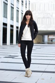 Lovely by Lucy | outfit baroque jeans isabel marant sneakers