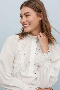 Grace Elizabeth for H&M. Grace Elizabeth, Beautiful Blouses, White Shirts, Looks Style, Printed Skirts, White Tops, Ideias Fashion, Ruffle Blouse, Fashion Outfits