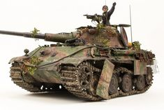 Building the Dragon Panzerkampfwagen Panther II scale Ducati Motorcycles, Military Modelling, Military Diorama, Ww2 Tanks, Nightmare On Elm Street, Panzer, Armored Vehicles, Tamiya, Plastic Models