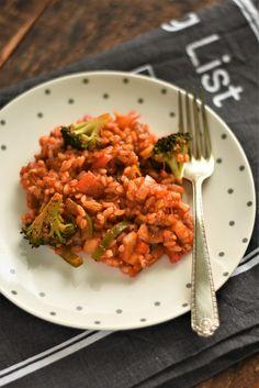 Ghiveci de legume cu orez - Bucătăria Urecheatei Tandoori Chicken, Broccoli, Risotto, Ethnic Recipes, Food, Meal, Eten, Meals