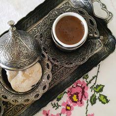 Turkish coffee. Cookies.