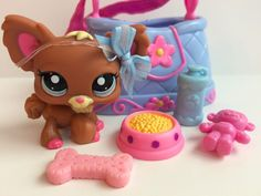 Littlest Pet Shop RARE Brown & Pink Chihuahua #1623 w/Carrier & Accessories #Hasbro