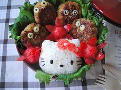 Make your own Kyaraben :  Hello kitty http://findjpn.com/saitama/cooking-program/13