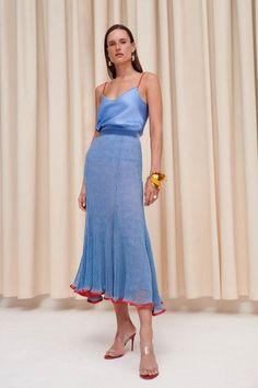 Galvan Spring 2020 Ready-to-Wear Collection - Vogue London Fashion Weeks, Fashion Week Paris, Fashion 2020, Runway Fashion, Fashion News, High Fashion, Fashion Outfits, Fashion Fashion, Stylish Outfits