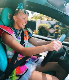 "JoJo Siwa on Instagram: ""Vroom vroom!💚🤘🏼 Anyone wanna go for a ride?? Where should we go???"" Jason Norman, Jojo Siwa Outfits, Jojo Bows, Cute Young Girl, Boy Birthday Parties, Dance Moms, Singer, Actresses, Shopping"