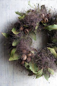 Fall Door Decorations, Flower Decorations, Flower Factory, Dried Flower Wreaths, Modern Flower Arrangements, Green Flowers, Christmas Wreaths, Rustic Wreaths, Diy Christmas Wreaths