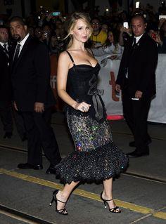 Herečka Jennifer Lawrence v kreácii Dolce...