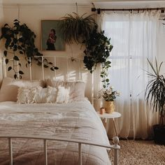 Here are 53 minimalist bedroom design ideas that will make you comfortable 44 Dream Rooms, Dream Bedroom, Master Bedroom, Master Suite, Small Room Bedroom, Bedroom With Plants, Bedroom Ideas For Small Rooms Cozy, Simple Rooms, Master Master