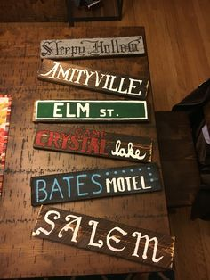 101 how to make scary halloween decorations on a budget pallets 59 Halloween Tags, Looks Halloween, Scary Halloween Decorations, Halloween Home Decor, Outdoor Halloween, Halloween Tattoo, Dollar Store Halloween, Halloween Design, Halloween Projects