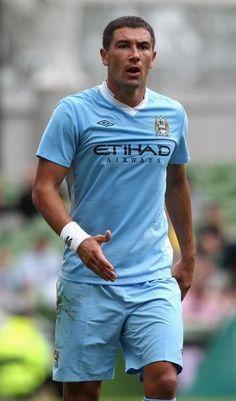 Manchester City to swap Aleksander Kolarov plus £12m for Wesley Sneijder
