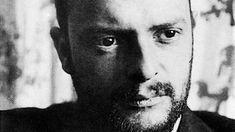 1914 unternahmen Paul Klee und August Macke eine Reise nach Tunis, die die Kunstgeschichte veränderte. Auch in Tunesien wirkt diese Reise nach - in der Kunst und im Tourismus. Im armen Süden des Landes hat das Klee-Erbe wiederum 500 Frauen einen Arbeitsplatz in der Teppichproduktion beschert.