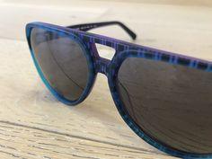 NEU! NEU! NEU! Es geht gleich ganz cool los! Modell 20050 Haffkrug ist in klassischer Pilotenform gehalten. Die Kunststoff-Brille hat ein dezentes, zweifarbiges Streifenmuster. Der Name der Brille kommt vom wohl ältesten Seebad Haffkrug, in der Lübecker Bucht.  #sonnenbrille #brille #optiker #sehstärke #eyewear #glasses #haffkrug #seebad #lübeck #bucht #sunglasses #lunettesdesoleil #augenoptik #pilotenbrille #blendwerk #kobergtente