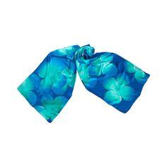 Fular Flores Azules pintado a mano en seda natural