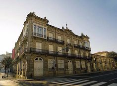 Louvre, Mansions, House Styles, Building, Travel, Home Decor, City, Viajes, Decoration Home