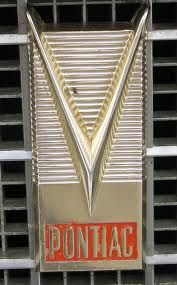 1958 PONTIAC engine logo on Bonneville