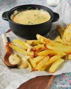 Patatas con salsa de queso                                                                                                                                                                                 Más