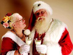 A toast to Santa and Mrs Claus Santa Claus Wife, Santa Claus Is Coming To Town, Mrs Claus, Santa Clause, Christmas Couple, Father Christmas, Christmas And New Year, Christmas Ideas, Merry Christmas