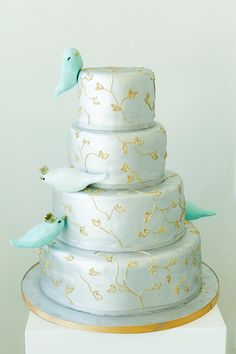 HAVE YOUR CAKE AND EAT IT! 5 AWESOME CAKE IDEAS! Take inspiration from almost anything you love, for your wedding cake design. Whether it's your love of birds, trees, raspberries or even cheese. Find a cake designer who is creative enough to build on your ideas and make something really original for your special day. Read the article www.wedding-collection.co.za