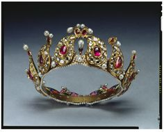 Stalking the Belle Époque: Mastery of Design: The Indian Tiara, pre-1901