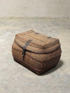 Burmese Cane basket, 1900s http://phantomhands.in/collectible/vintage-burmese-basket/