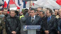 Francia: baño de masas de François Fillon horas antes de que su partido se manifieste sobre su futuro